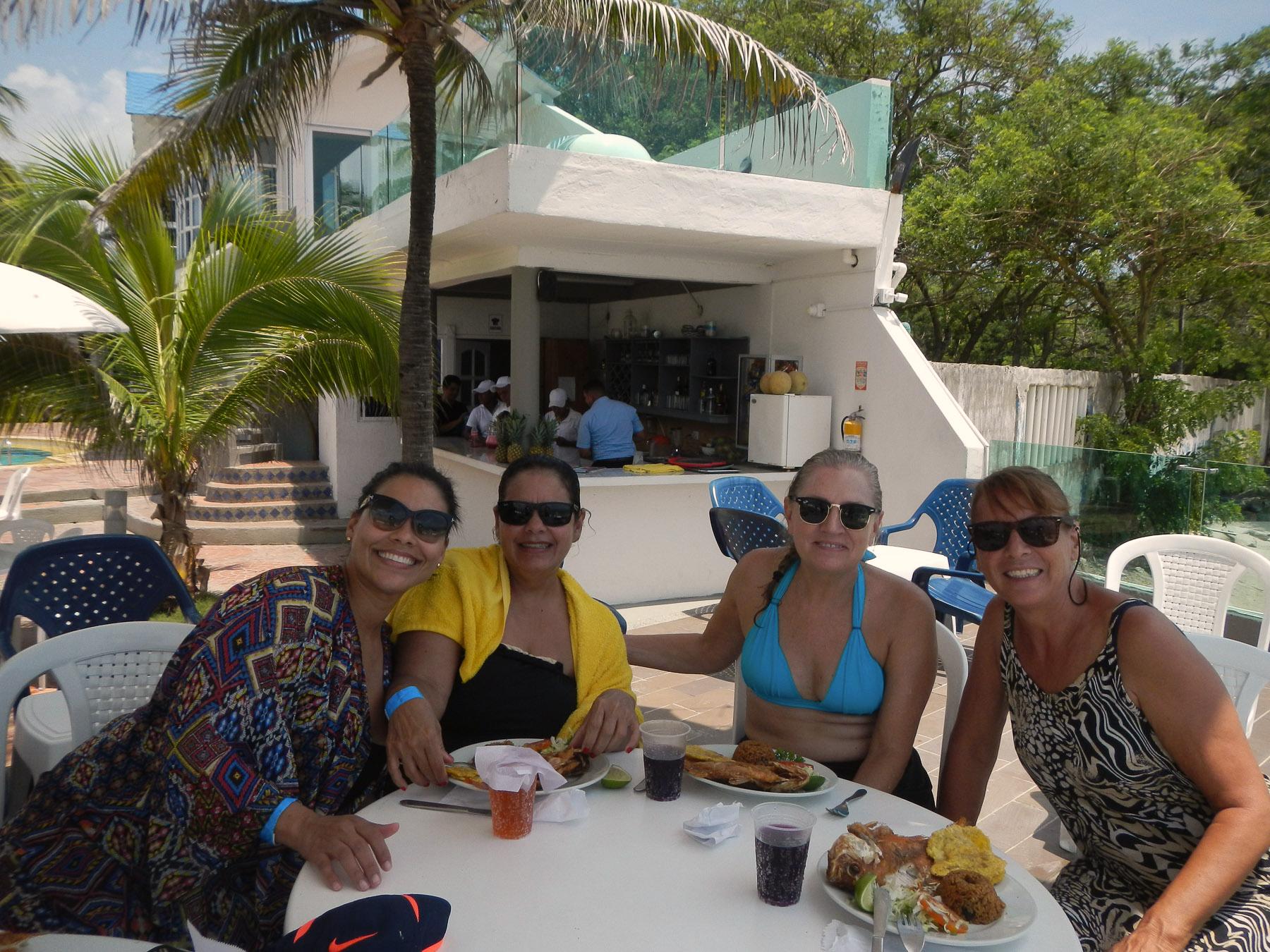 Fischessen in einem schicken Hotel auf der Insel vor Cartagena