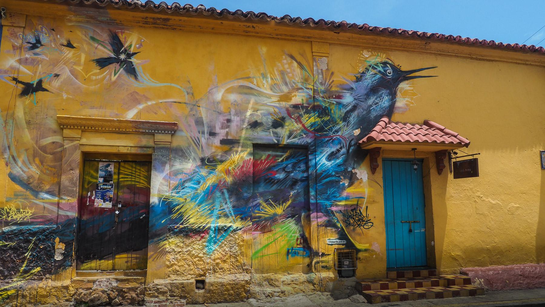 Kunstwerk an der Hauswand