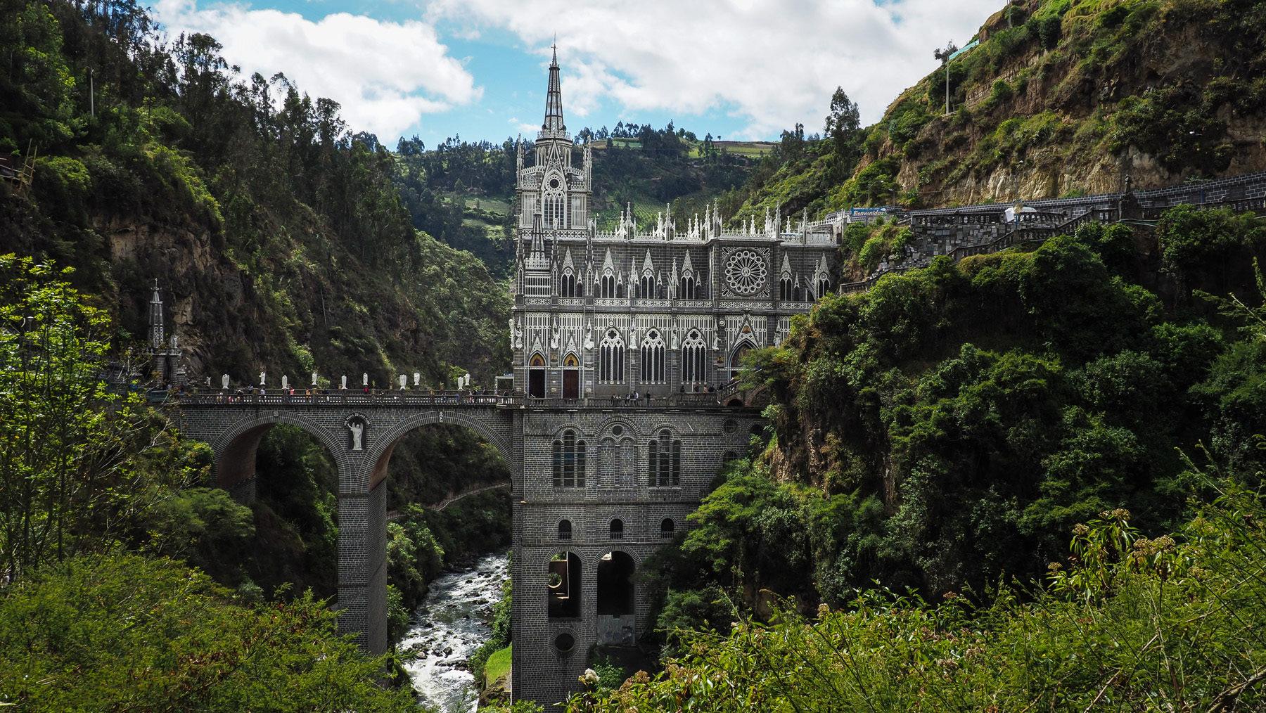 Santuario de las Lajas – Wallfahrtskirche direkt in eine steile Schlucht gebaut