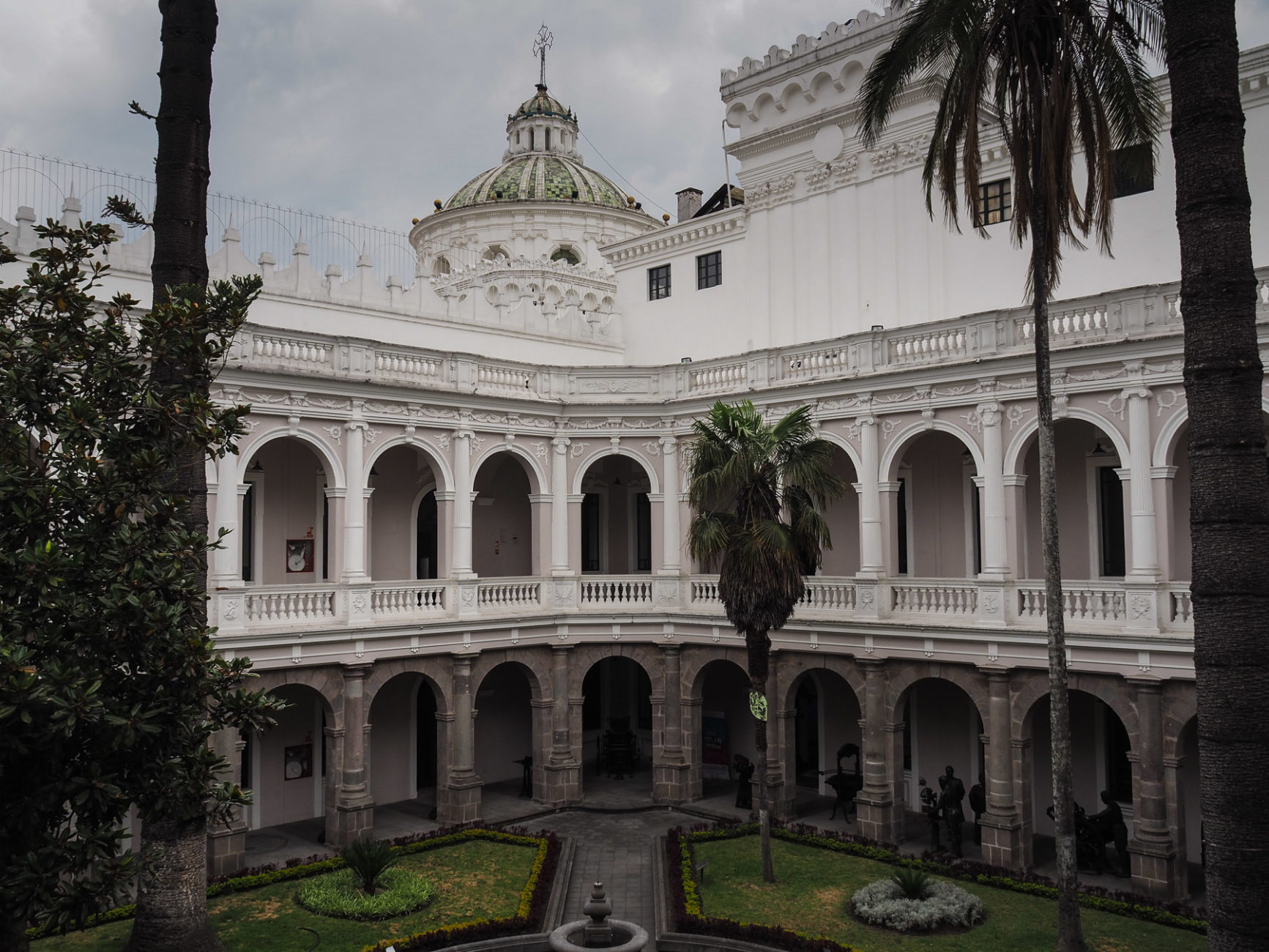 Klosterinnenhof in Quito