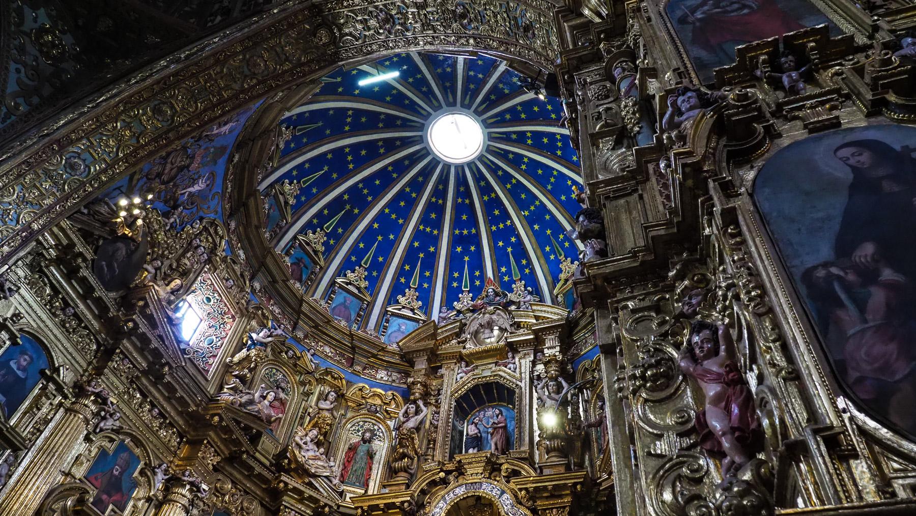 Die Kirchen in Quito sind atemberaubend