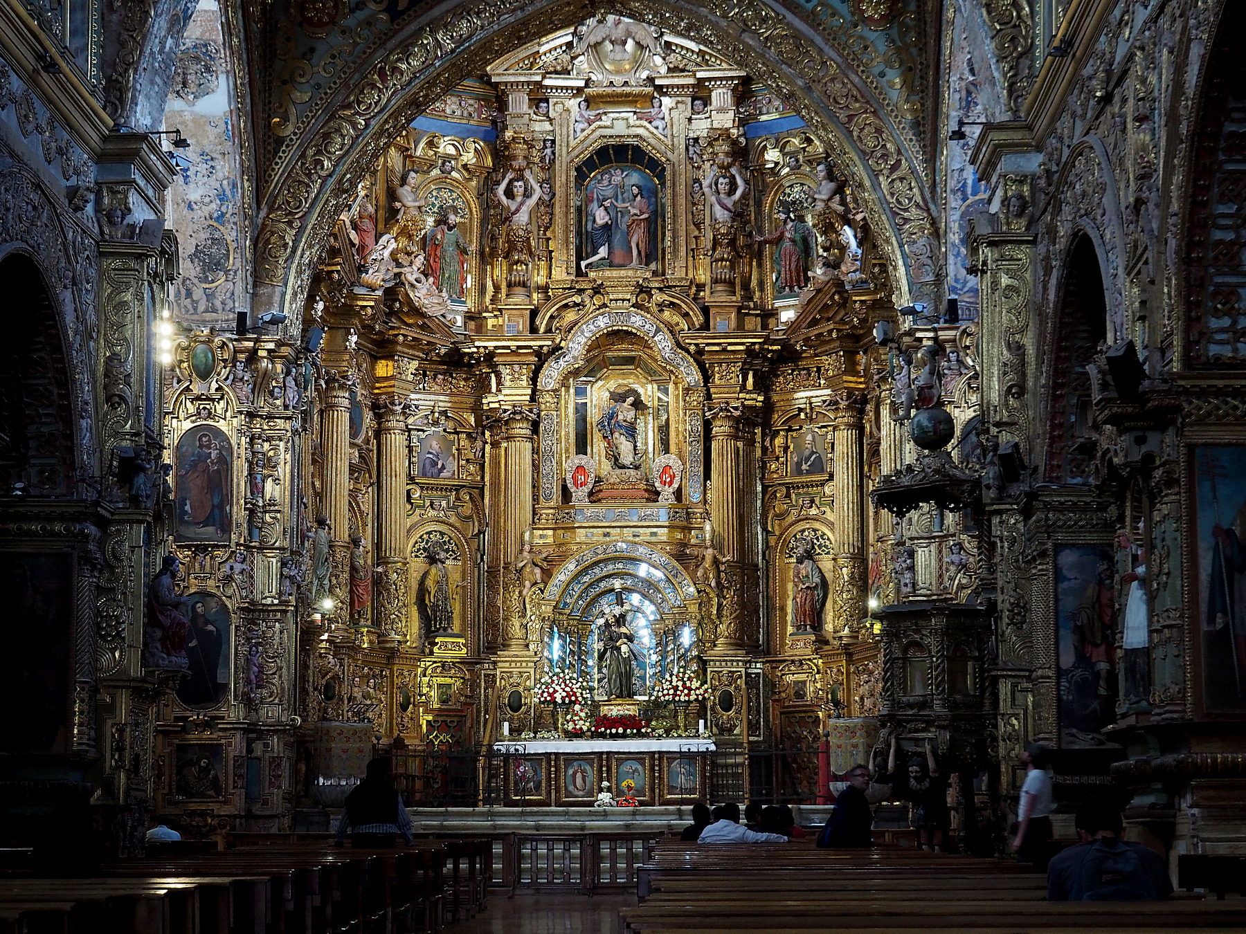 Unglaublich prunkvolle Kirchen
