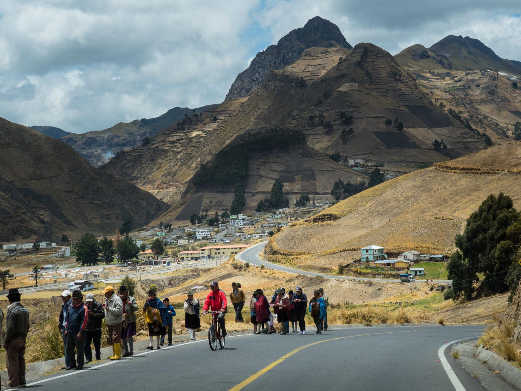 Aus den umliegenden Dörfern kommen alle zum großen Fest nach Latacunga