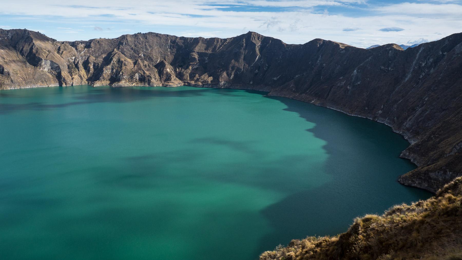 Ein perfekter Kratersee, die Laguna Quilotoa