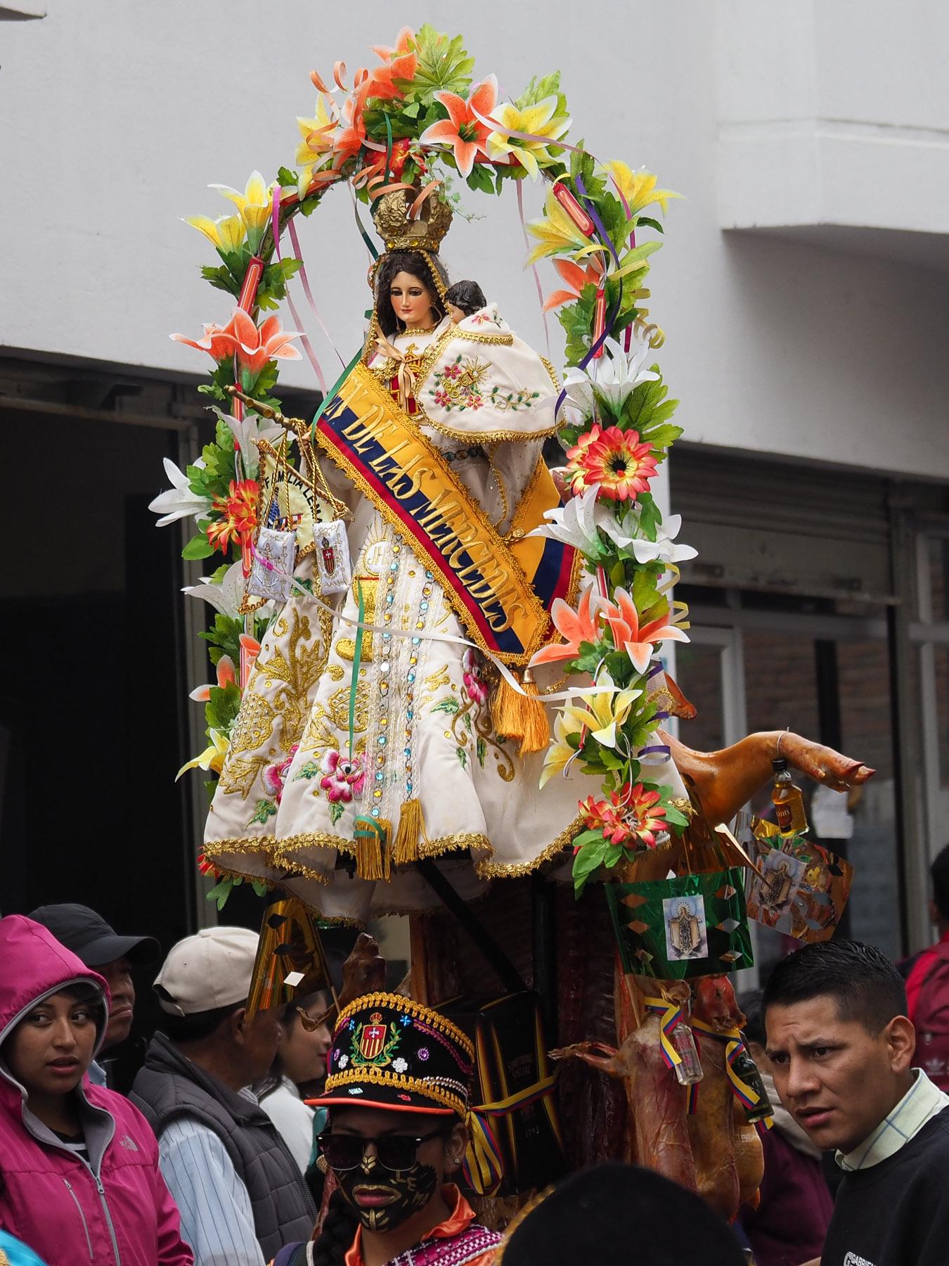 Das ganze Fest ist zu Ehren der Virgin de las Mercedes, beschützt Latatunga vor einem Vulkanausbruch des Cotopaxi