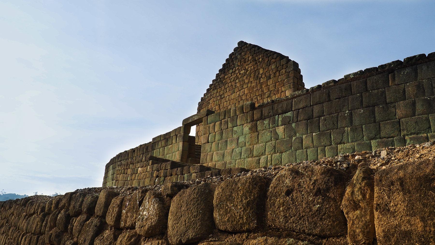 Die charakteristischen Inkasteinmauern