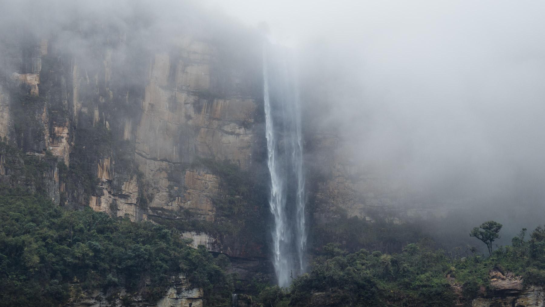Mystische Stimmung am Gocta Wasserfall