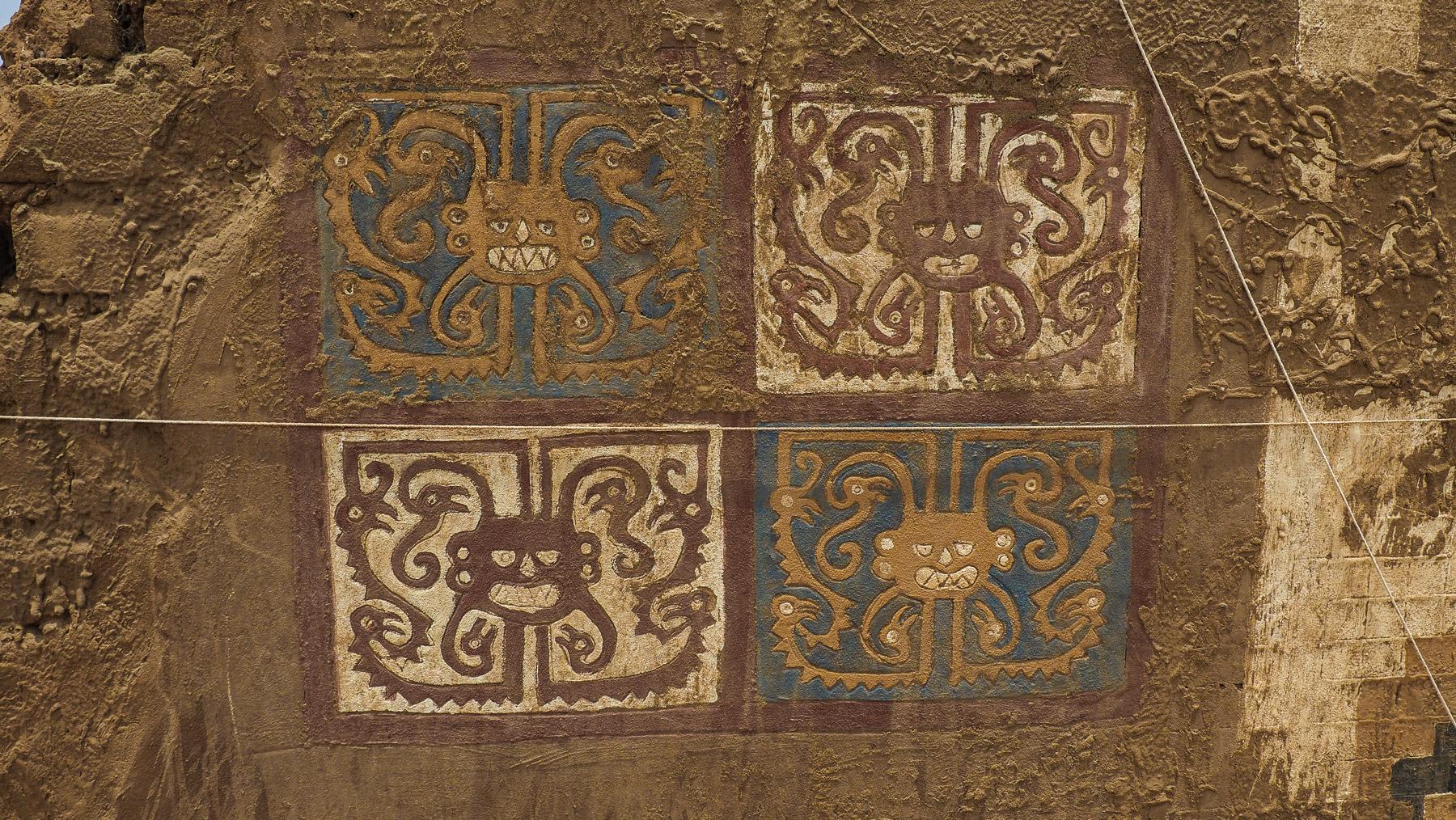 Farbige Reliefs aus dem ca. 7. Jhd.