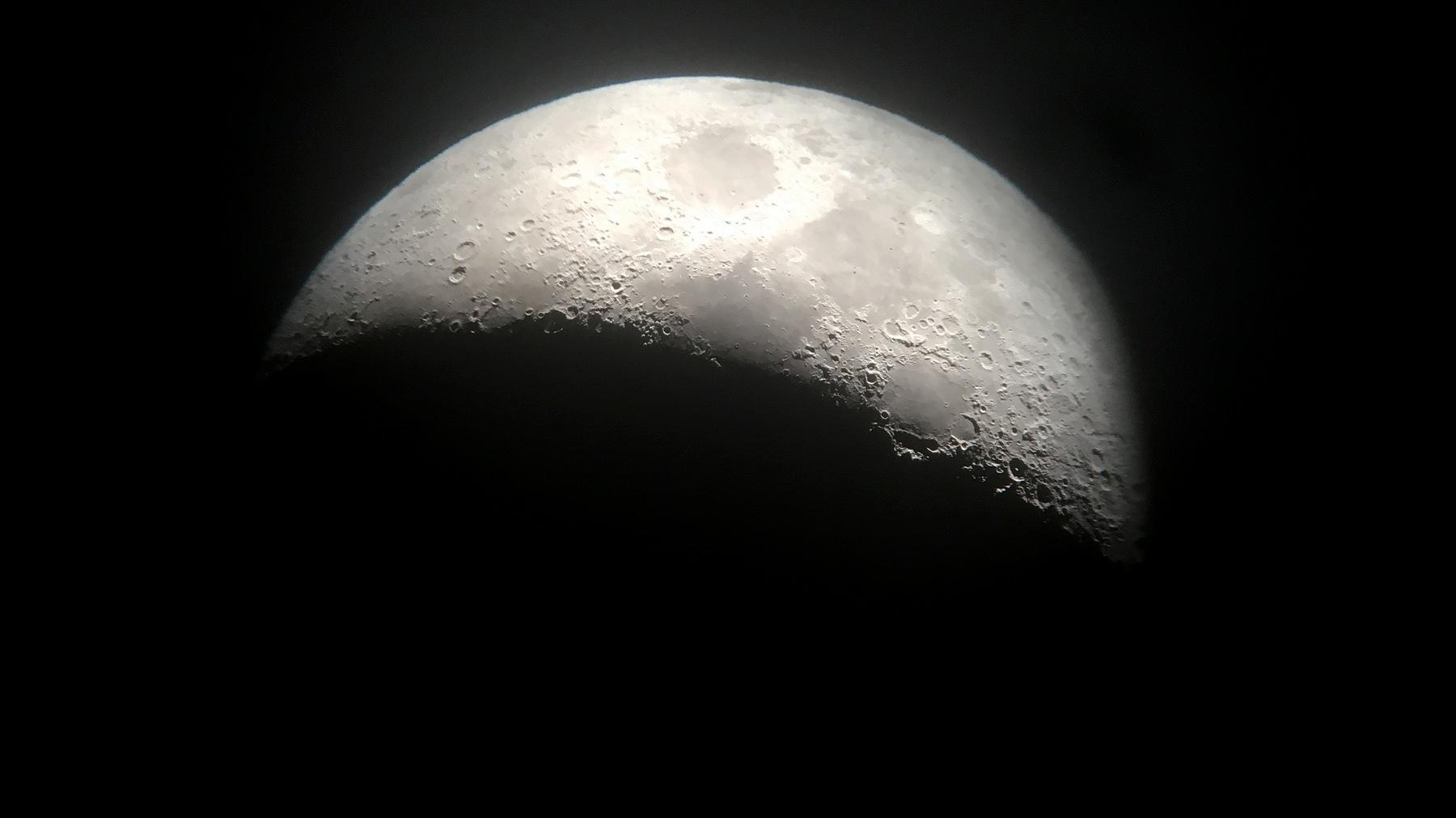 Am Ende des Tages erreichen wir den Mond...