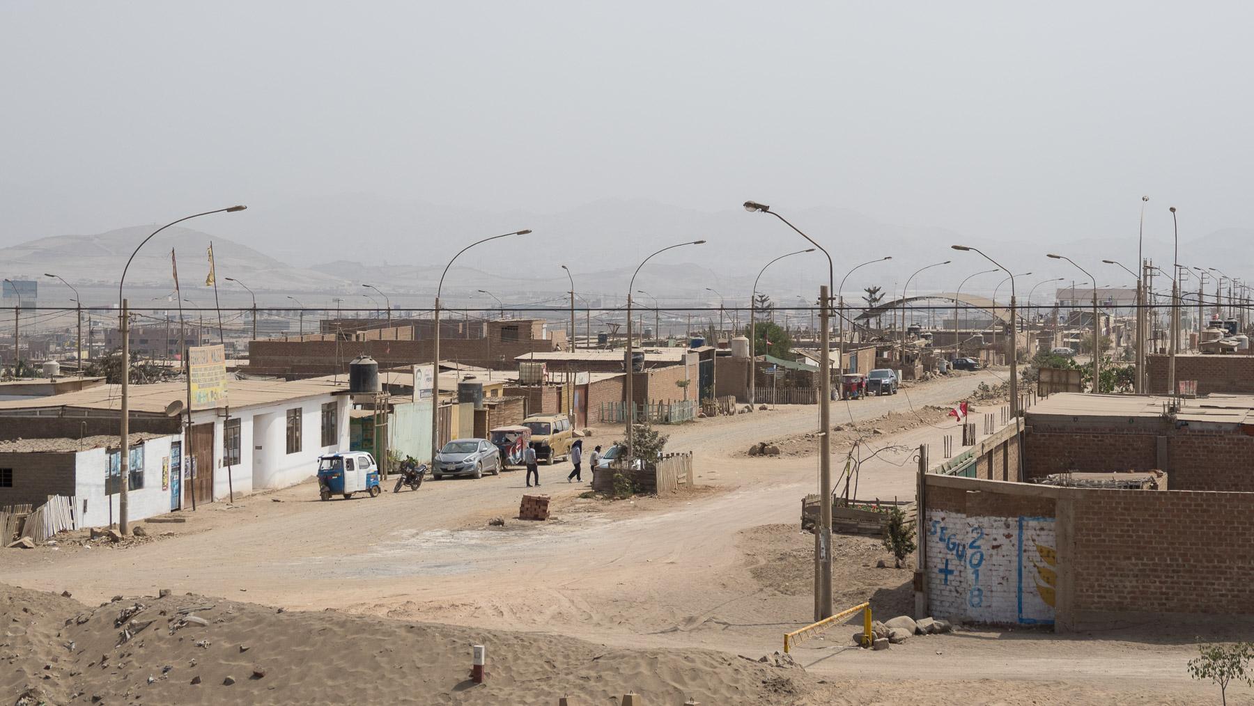 Trostlose Siedlungen an der peruanischen Küste
