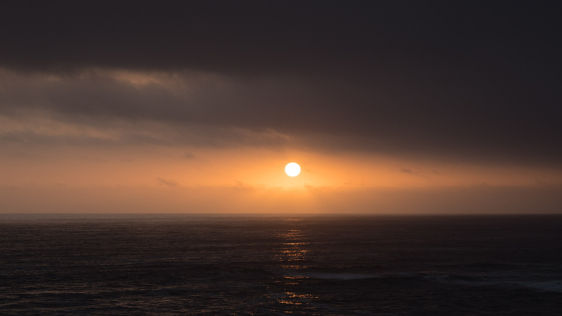 Selten kommt die Sonne mal durch den Nebel