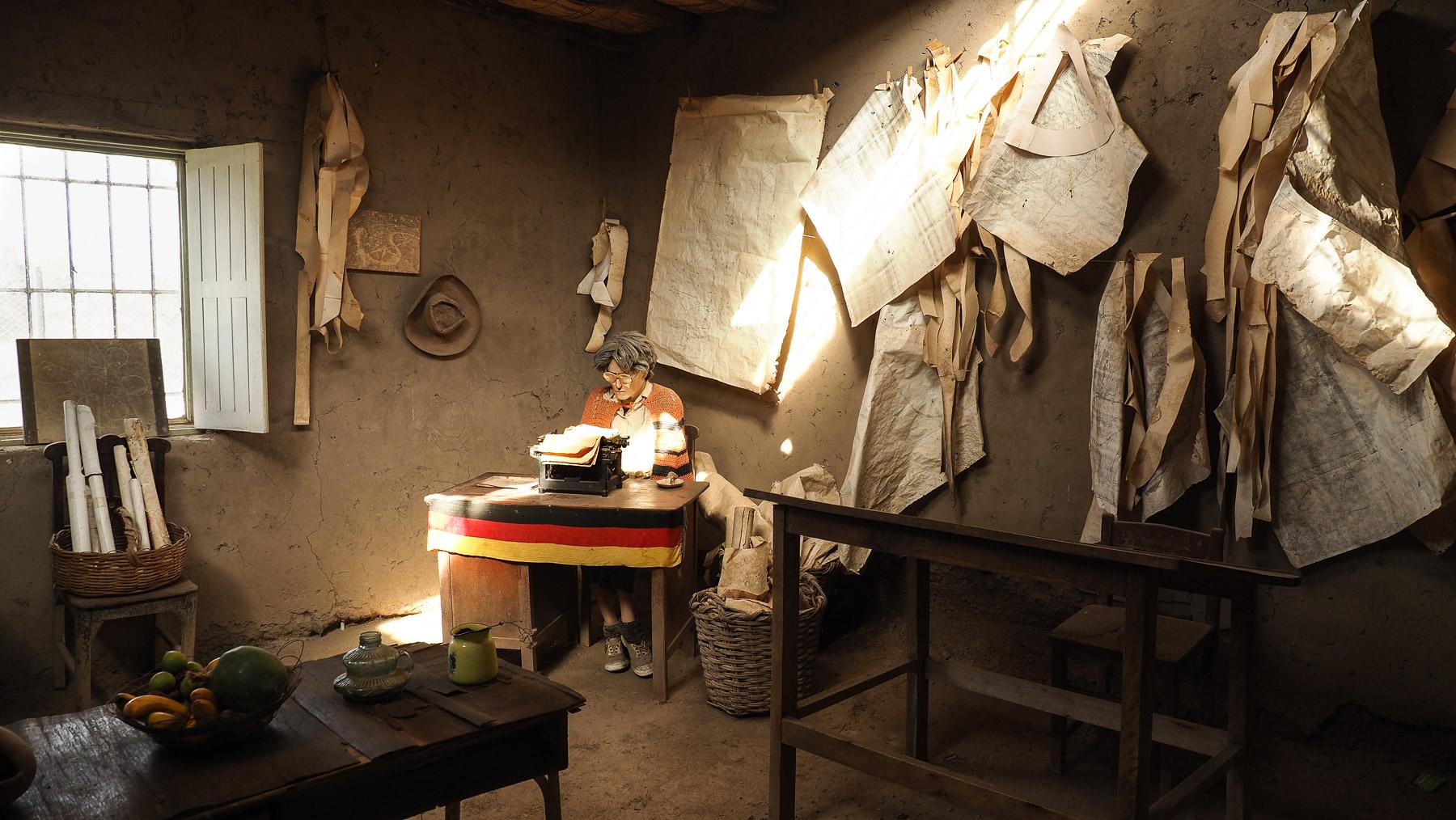 Das Leben der deutschen Nasca-Forscherin Maria Reiche wird hier nachgestellt