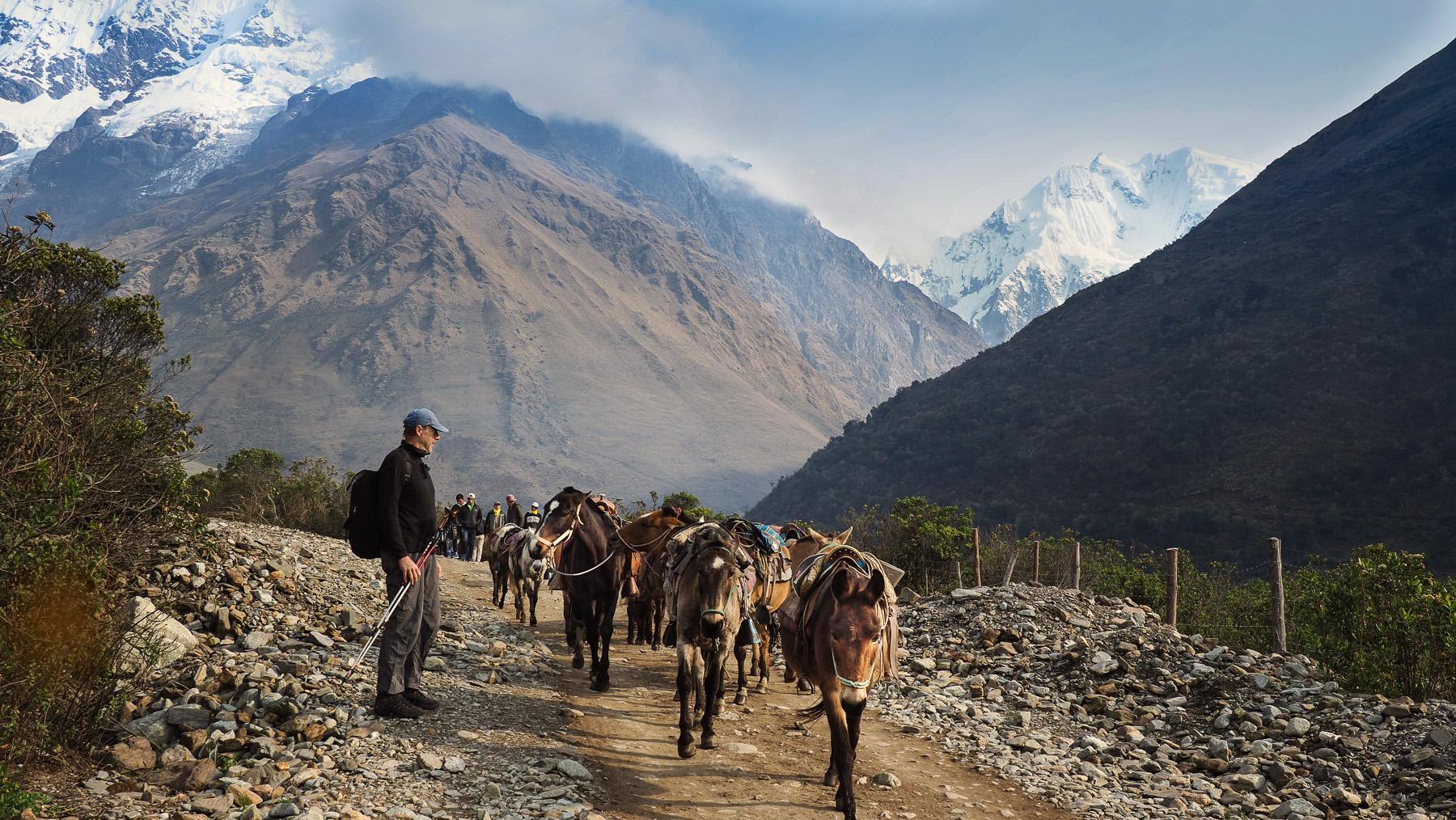 Trekkinggruppen begegnen uns auf unserer Wanderung