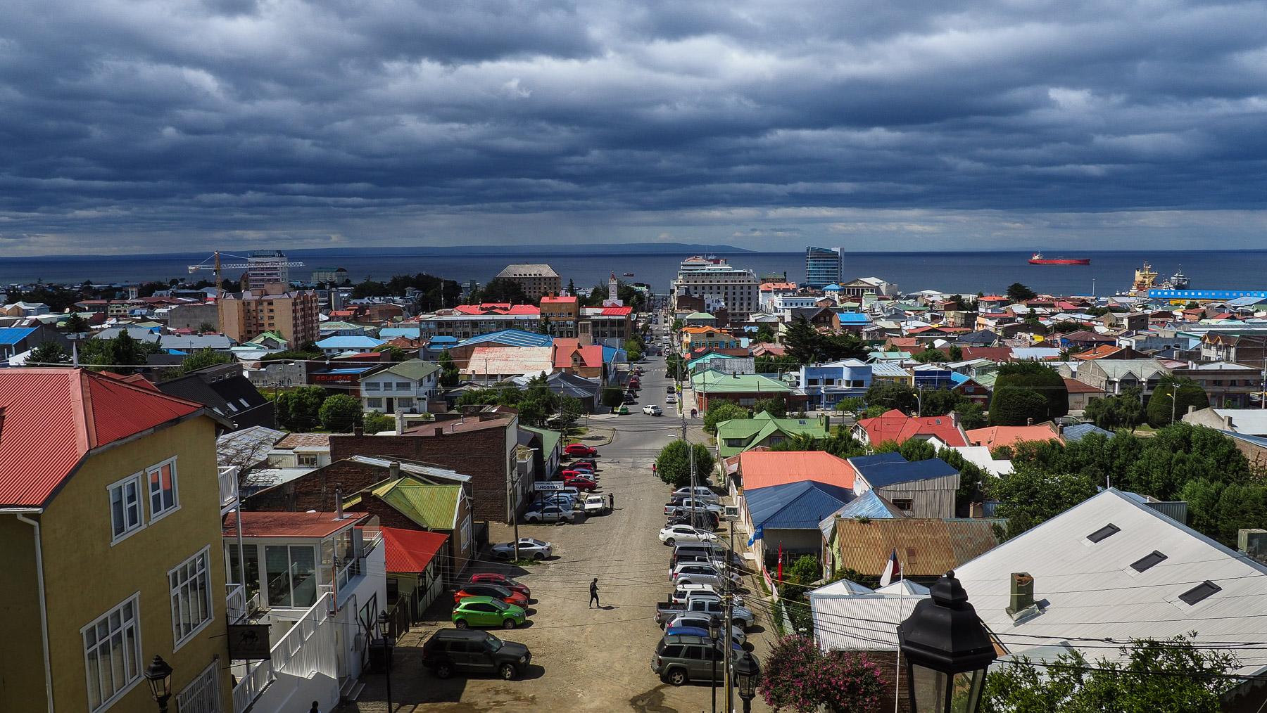 Düsterer Blick über Punta Arenas