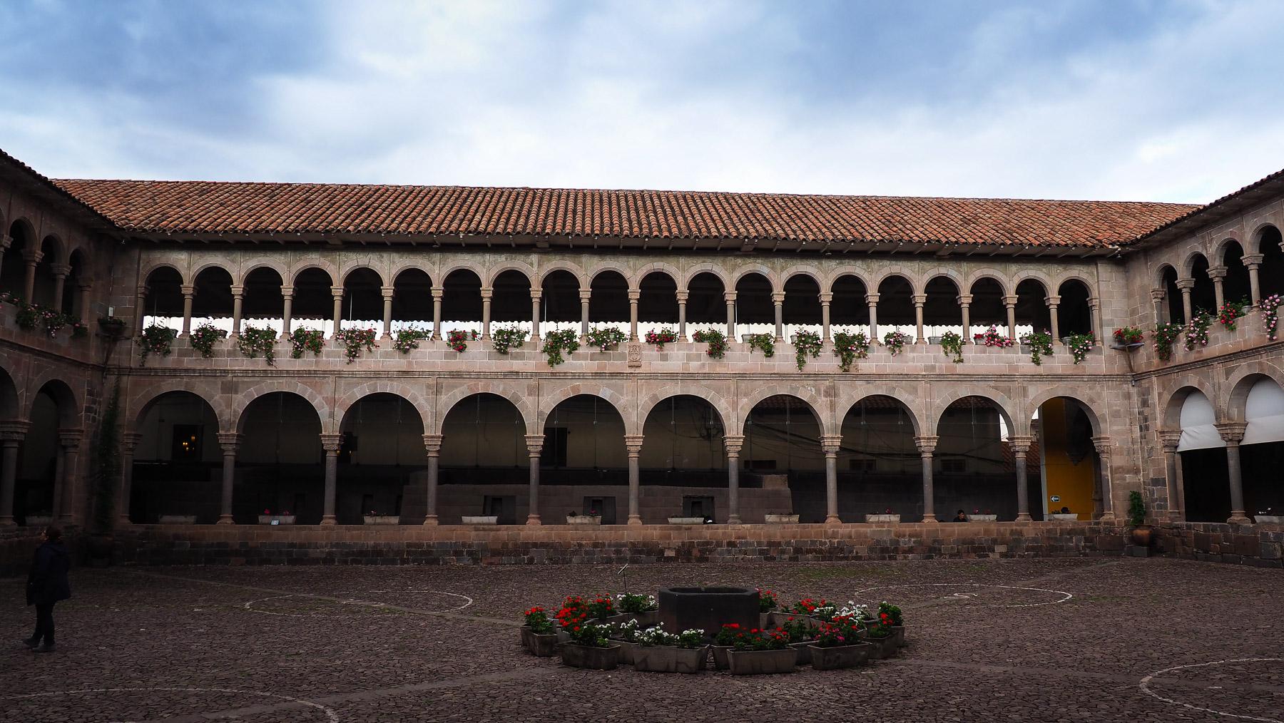 Spanischer Kreuzgang der Basilika La Merced