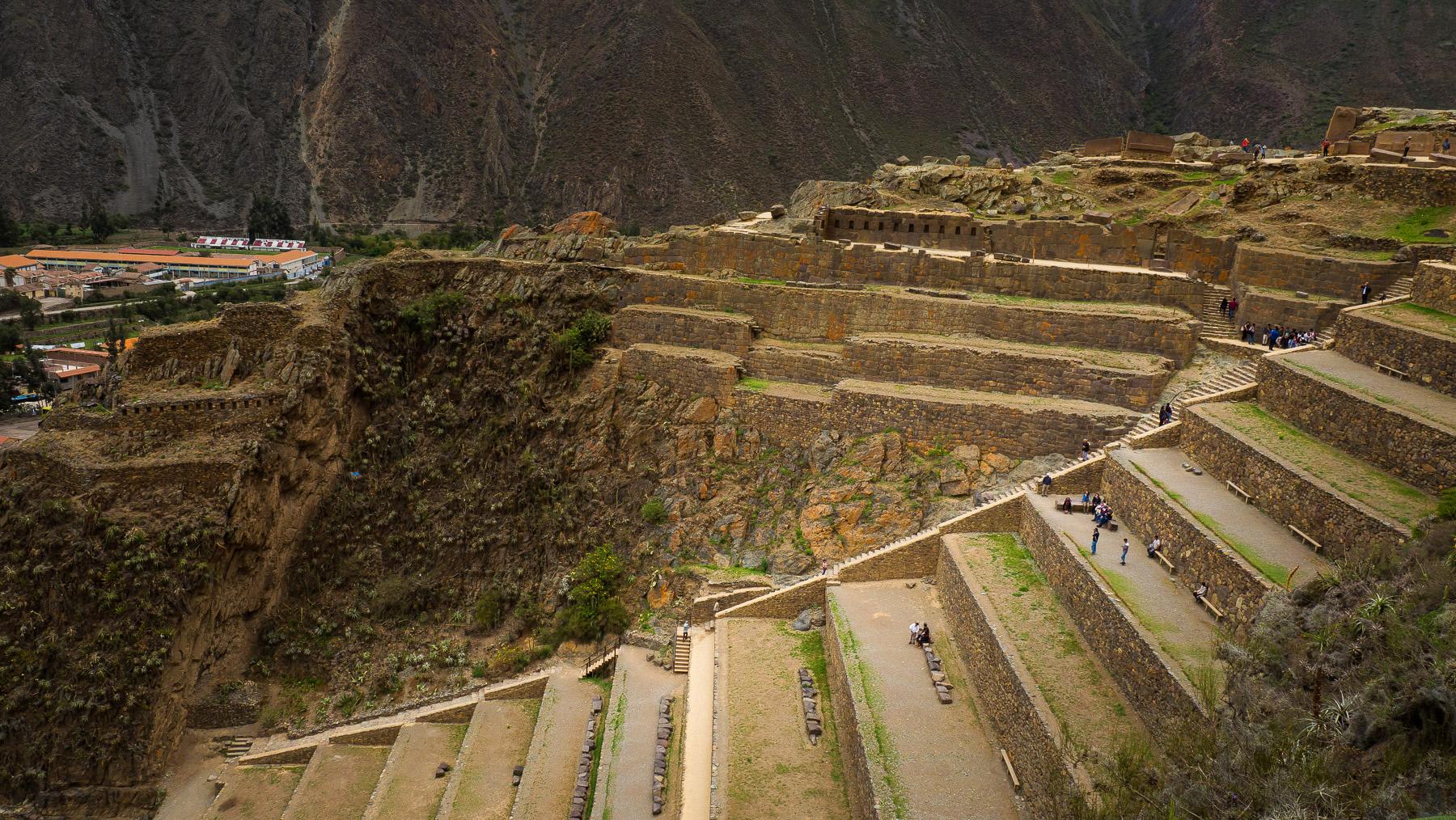 Steile Inkaterrassen in Ollantaytambo