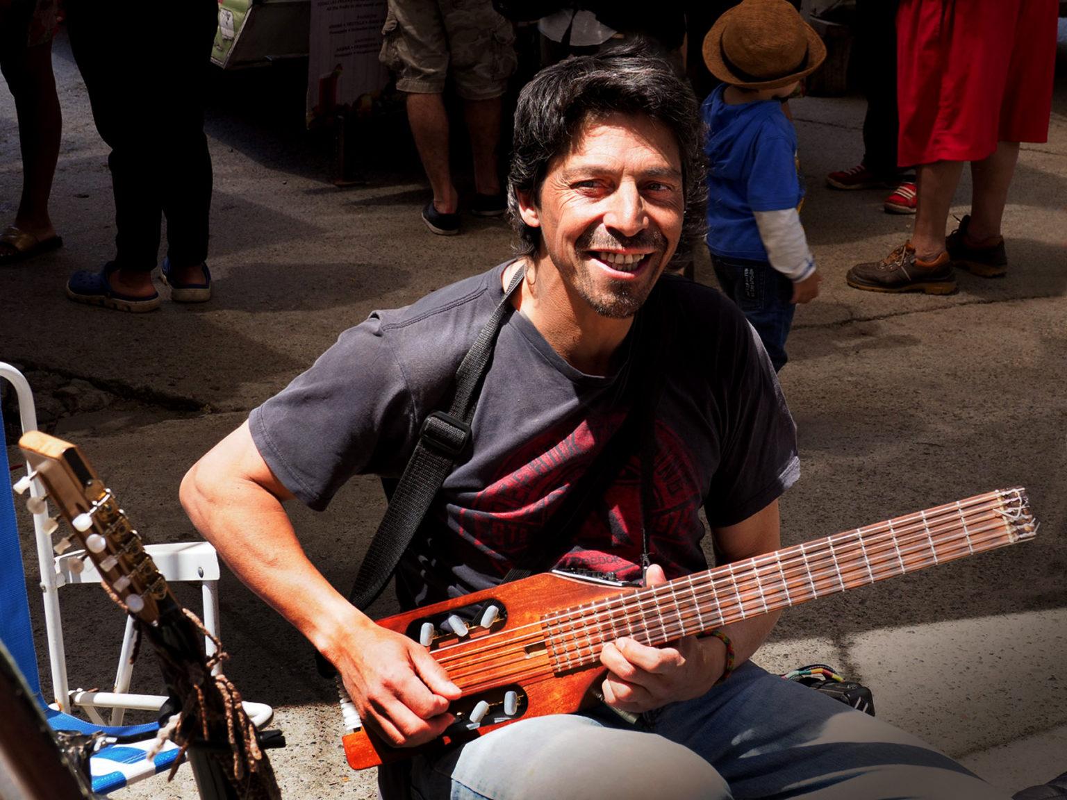 Straßenmusiker in El Bolson, einem gemütlichen Städtchen