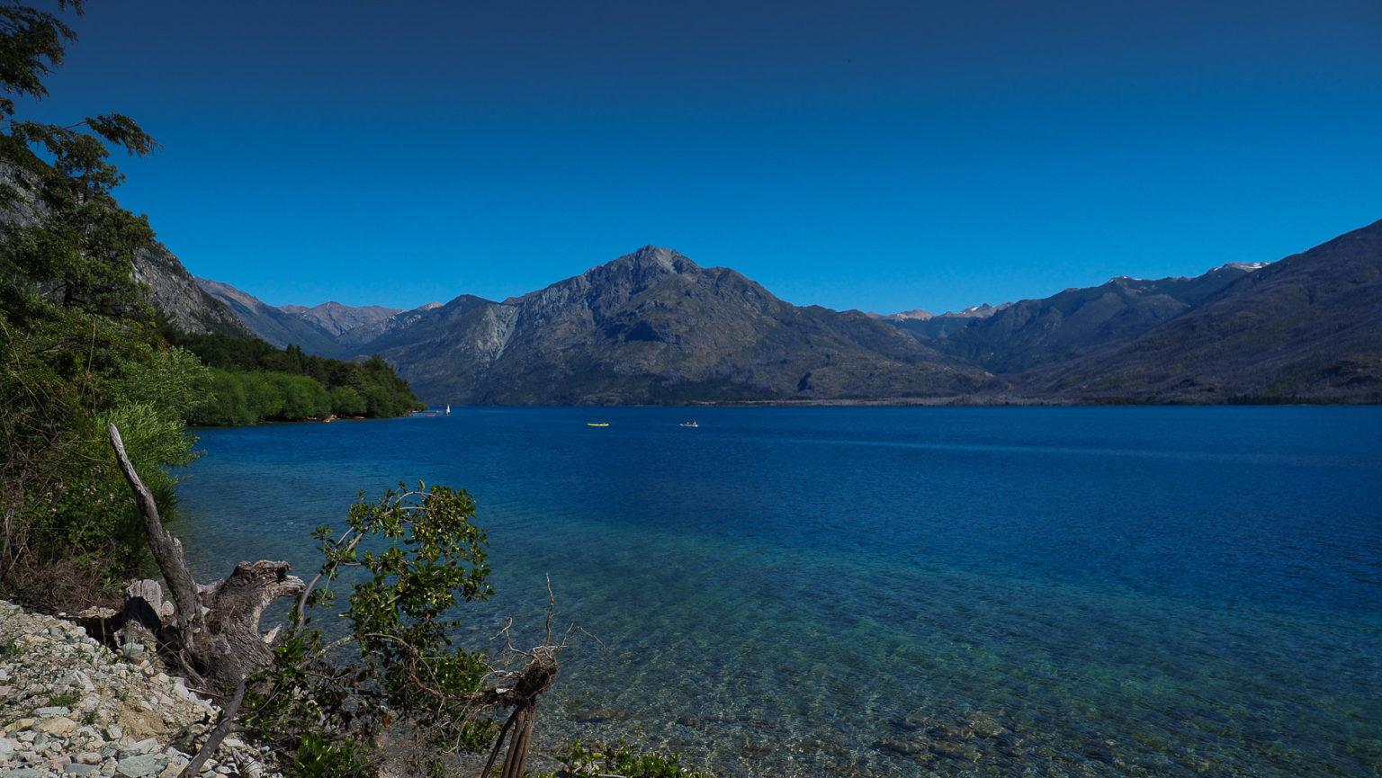 Viele Bergseen hier am Westrand von Argentinien