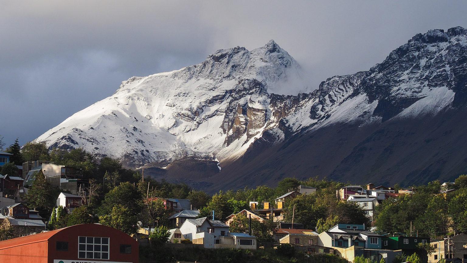 Frisch gefallener Schnee im Sommer in Ushuaia
