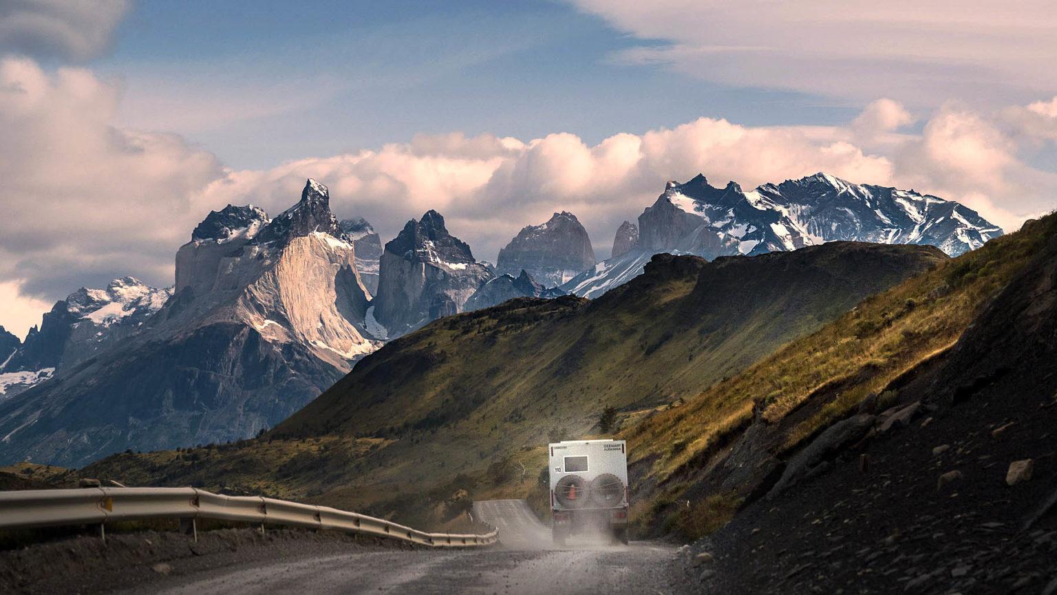 Spektakulärer Blick auf Paine Grande und Cuernos del Paine