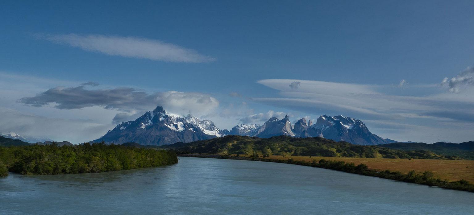 Schon von weitem sichtbar: die Torres del Paine