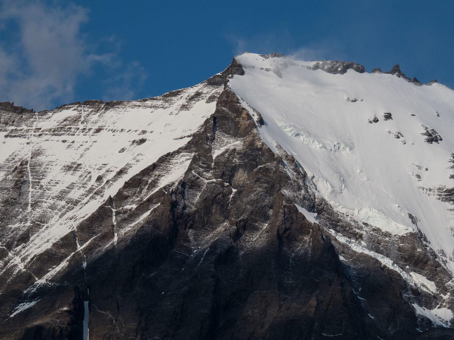 Obwohl Hochsommer, liegt noch einiges an Schnee auf den Bergen