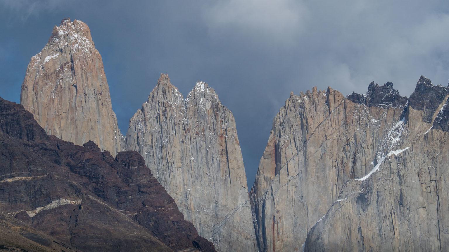 Die Wände der Torres del Paine von Norden aus