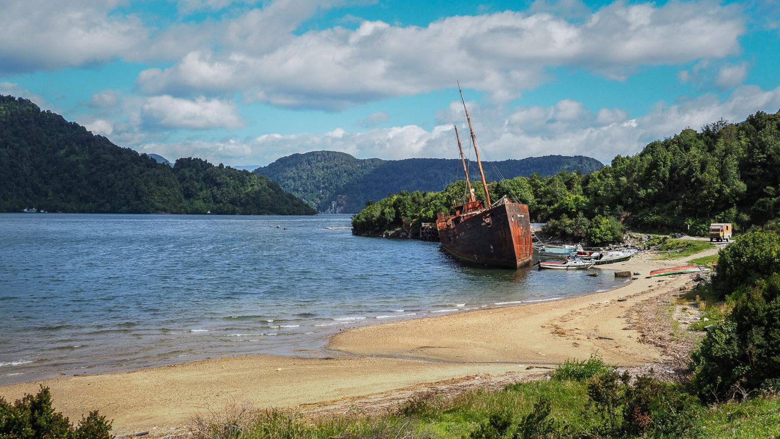 Meeresbucht bei Puerto Aysen