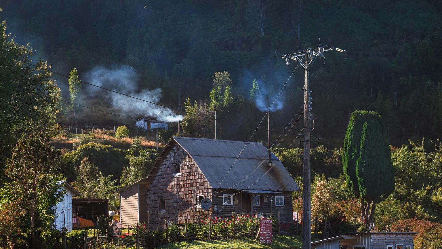 Das ist ein typischer kleiner Campingplatz in Patagonien – nur für Zelte im Garten