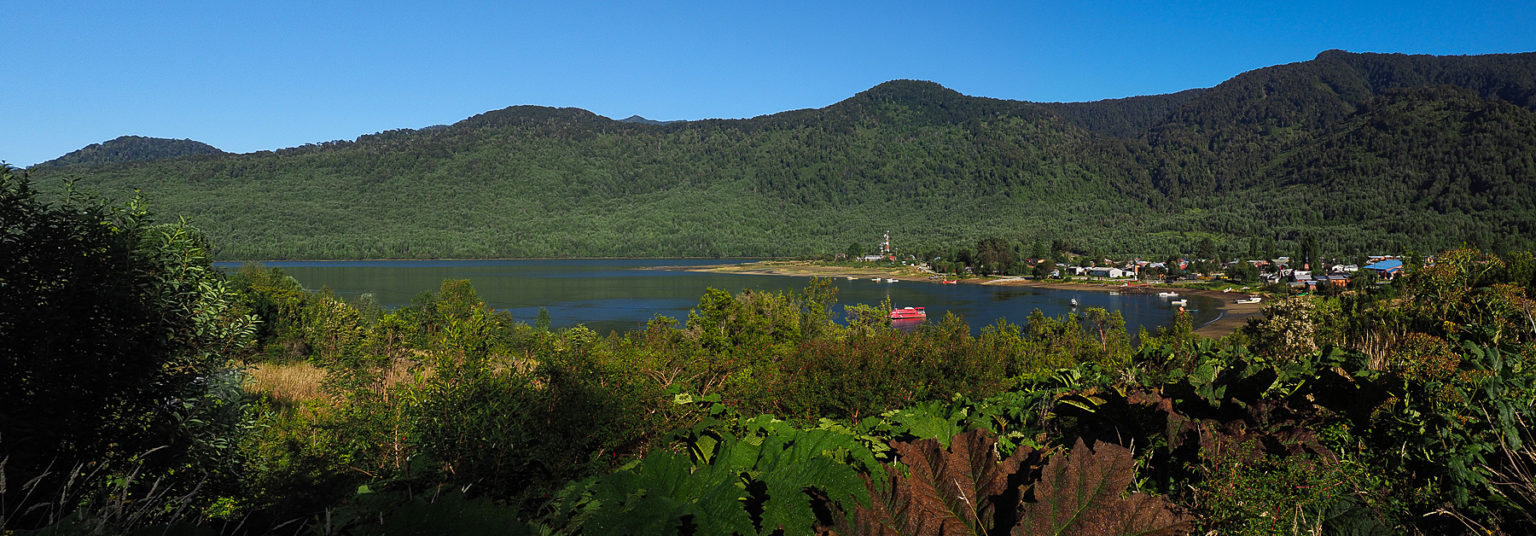 Winzig klein liegt Puyuhuapi in Mitten der Wildnis
