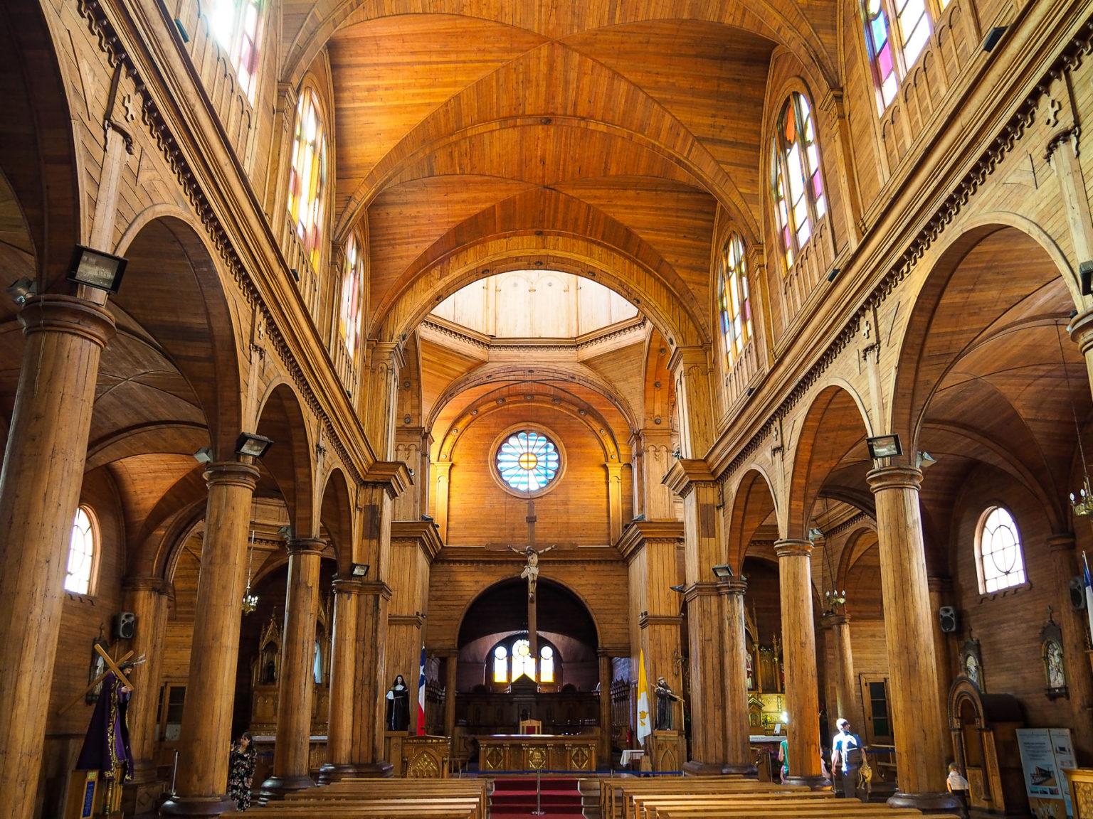 Das Holzkirchenschiff des Doms