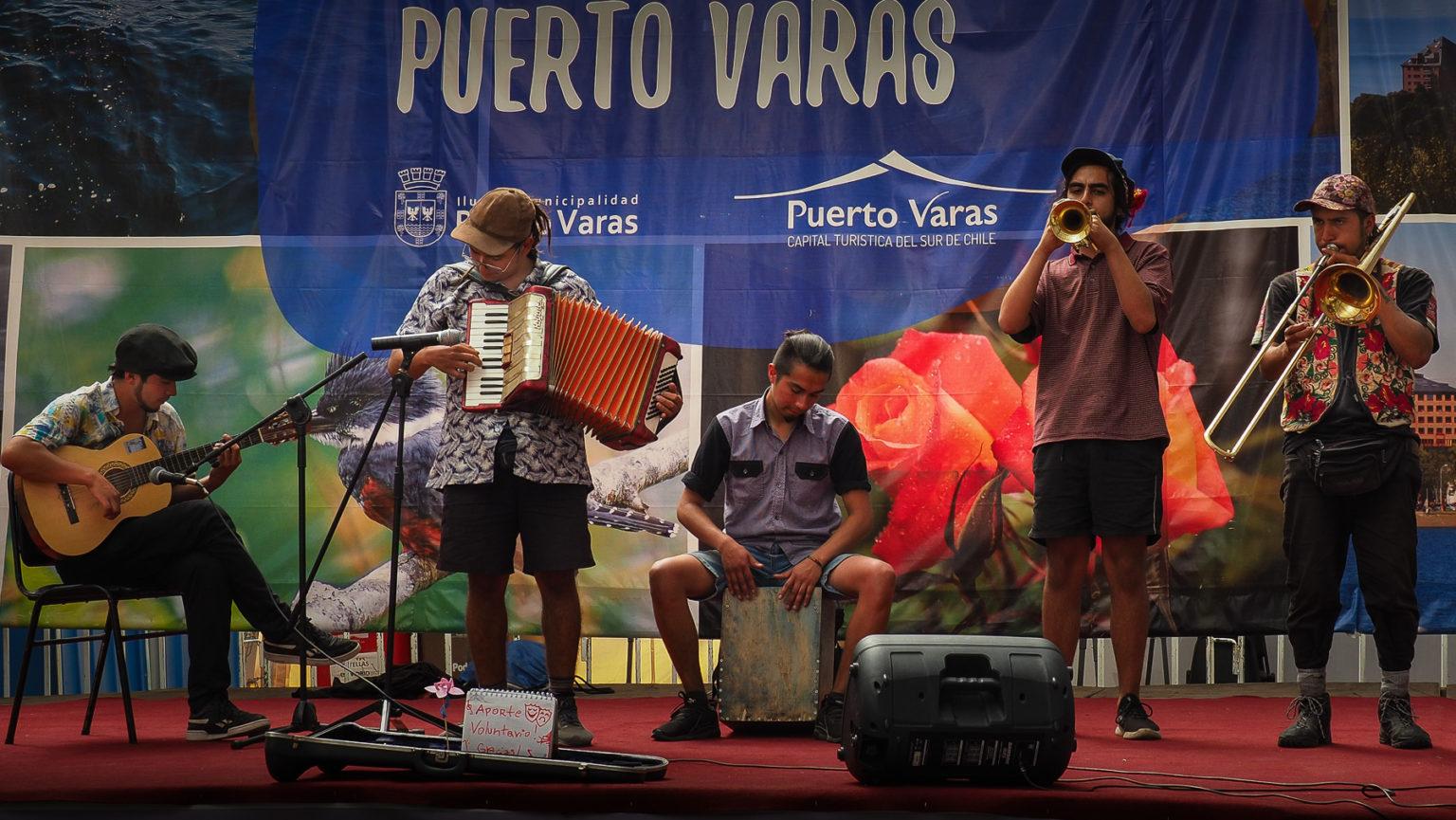 Strassenfest in Puerto Varas, im Seengebiet von Chile