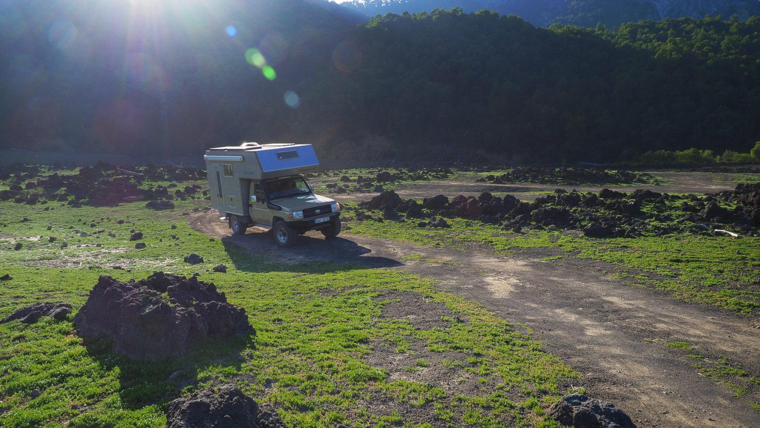 Spannende Fahrt durch Lavafelder