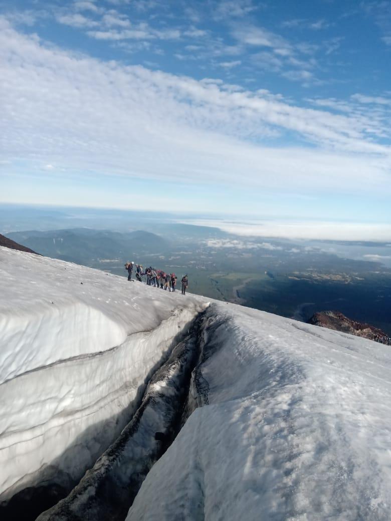 morgens um 5:45 machen wir uns auf den Weg zum Summit